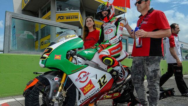Marco Bezzecchi si riscatta in gara 2 e torna leader