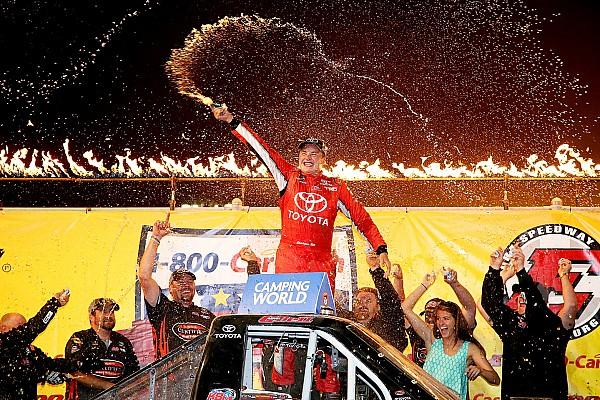 NASCAR Truck Em noite de surpresas, Christopher Bell vence em Eldora