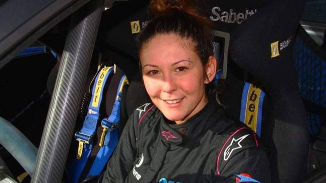 Corinne Federighi debutta nel CIR su una Twingo R2