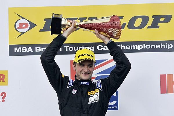بي تي سي سي توركينغتون يُهيمن على سباق سنيتيرتون  الأول