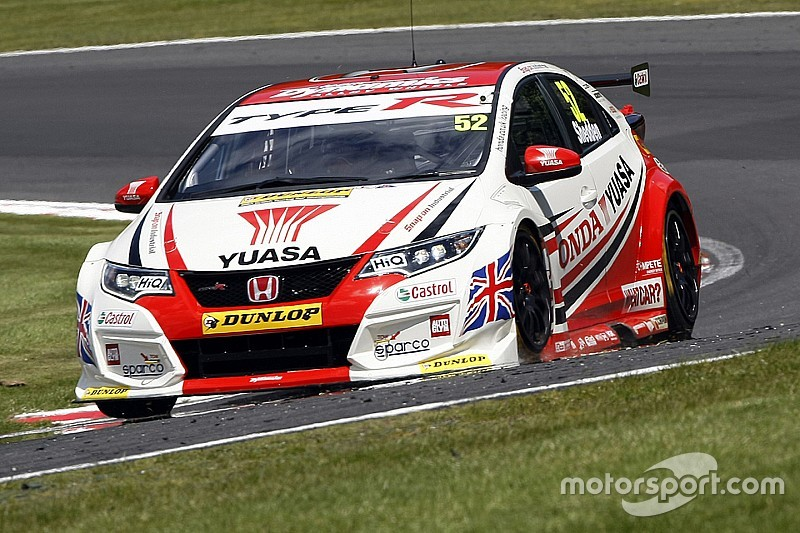 Knockhill BTCC: Shedden storms to home win in race two