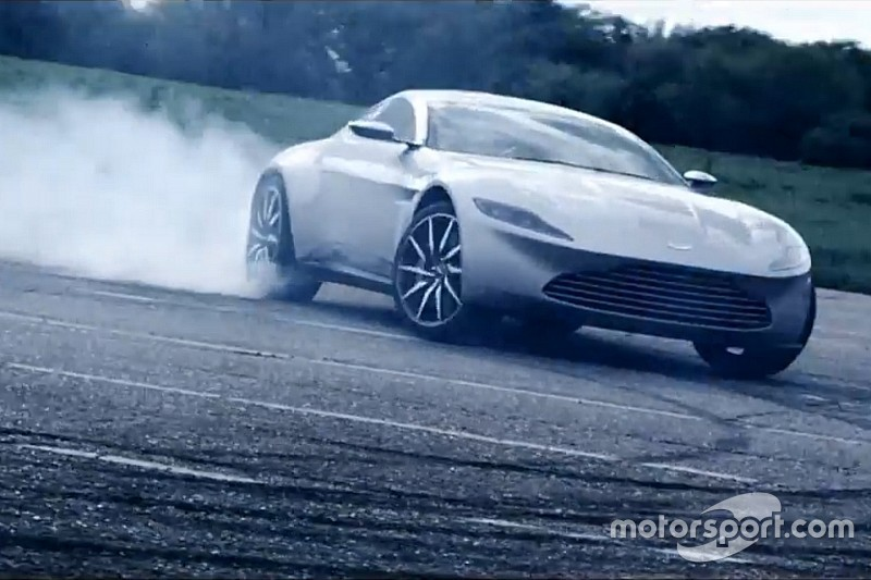Vidéo - L'Aston Martin DB10 de James Bond en piste!