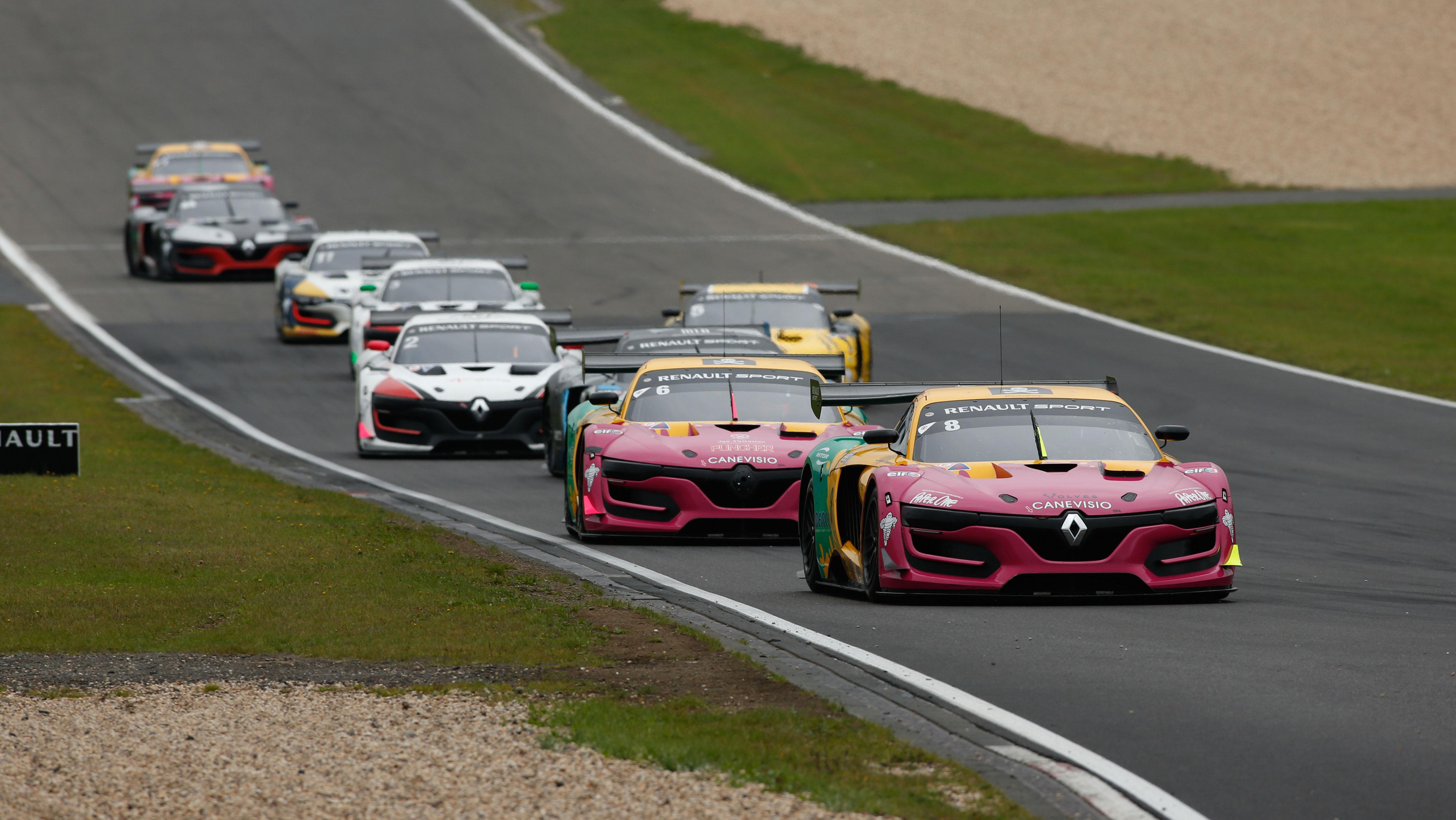 Prima vittoria per Dario Capitanio al Nurburgring