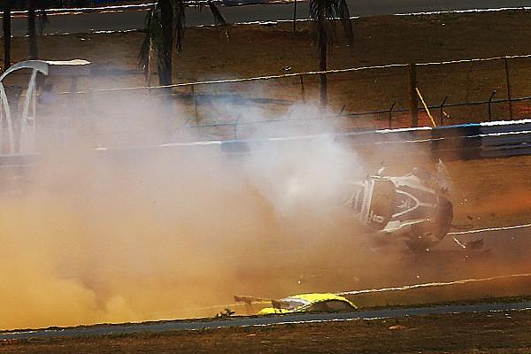 Porsche Piquet publica foto con la cara muy herida