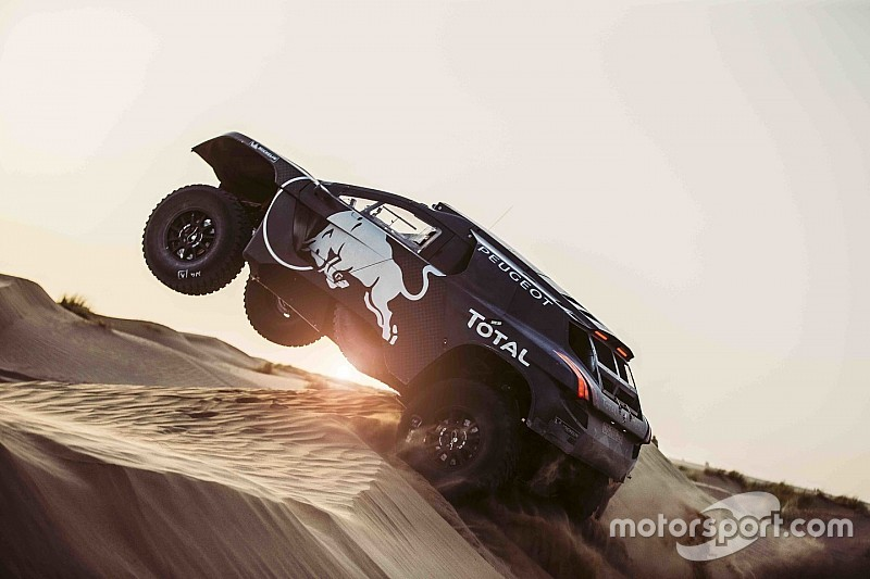 Dakar 2016: Peugeot stellt modifiziertes Fahrzeug vor