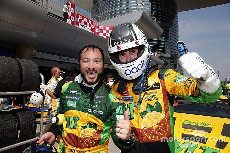 Lloyd puts in stunning drive to claim victory in Shanghai