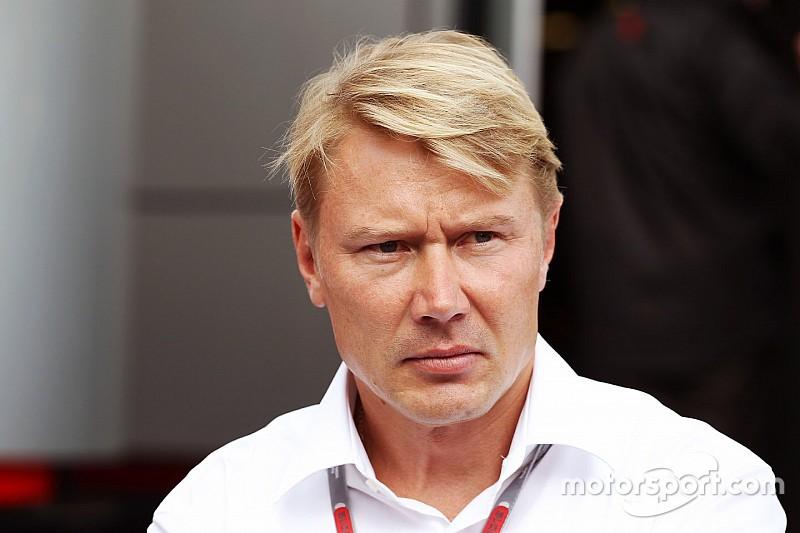 Hakkinen se une a las críticas contra Alonso