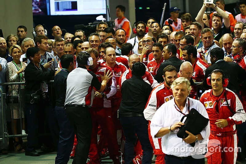 Ferrari pede desculpas à FIA por tumulto em Cingapura