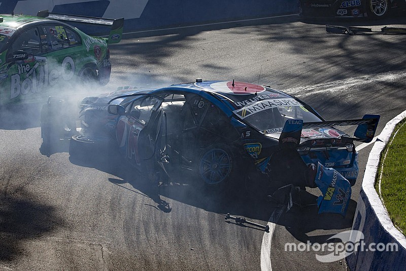 Terribile incidente per Chaz Mostert a Bathurst
