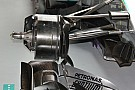 Mercedes: i cestelli dei freni aperti per metà