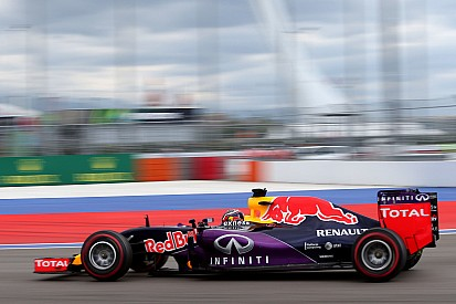 Red Bull no descarta continuar con Renault