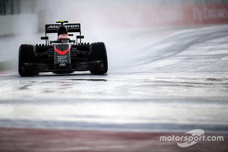 Баттона не беспокоит ситуация с моторами в Ф1