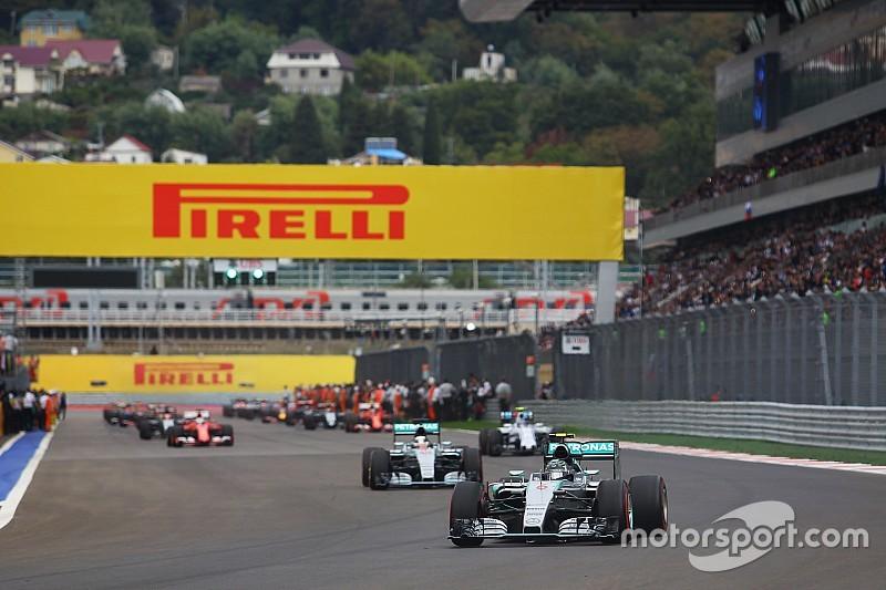 Феттелю не понравились действия Mercedes перед стартом в Сочи