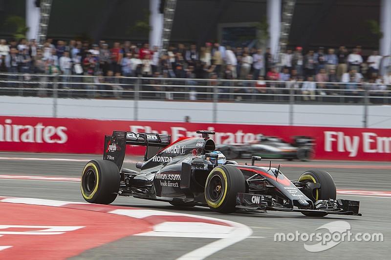Alonso se despide  de México con sombrero de charro
