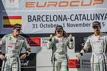 Lucile Cypriano signe une première en Seat Leon Eurocup