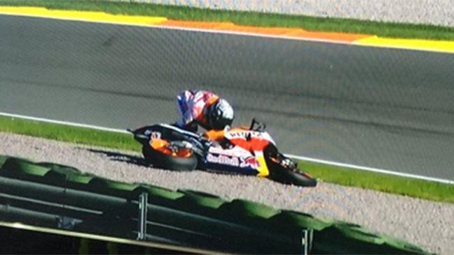 Valencia, Day 1, Ore 11: Marquez cade ma è in vetta