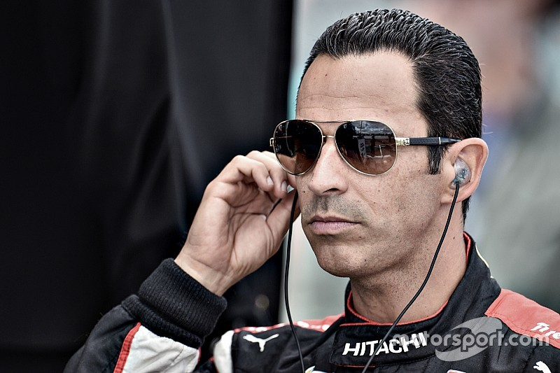 """Castroneves diz entender Rossi: """"tiraram-me título em 2006"""""""