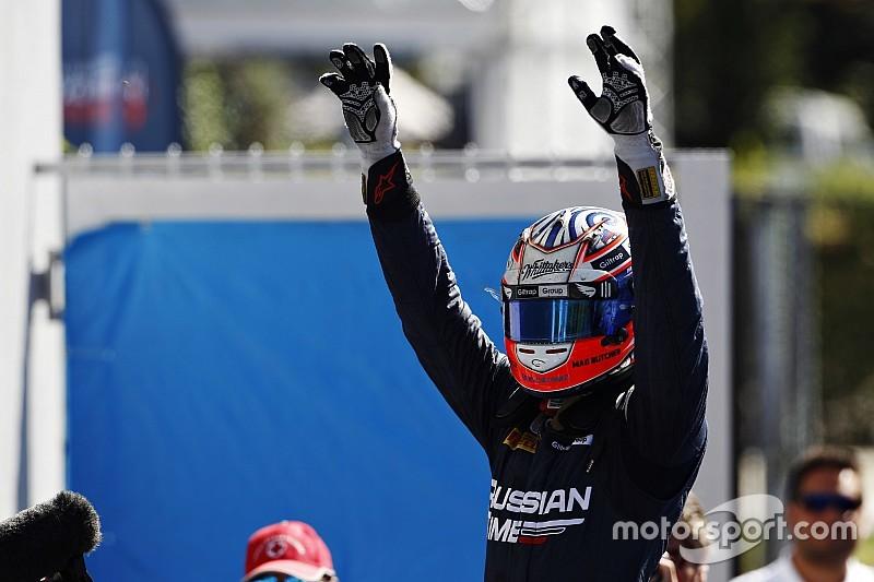 Victoire d'Evans et 15e podium de Vandoorne en 2015!