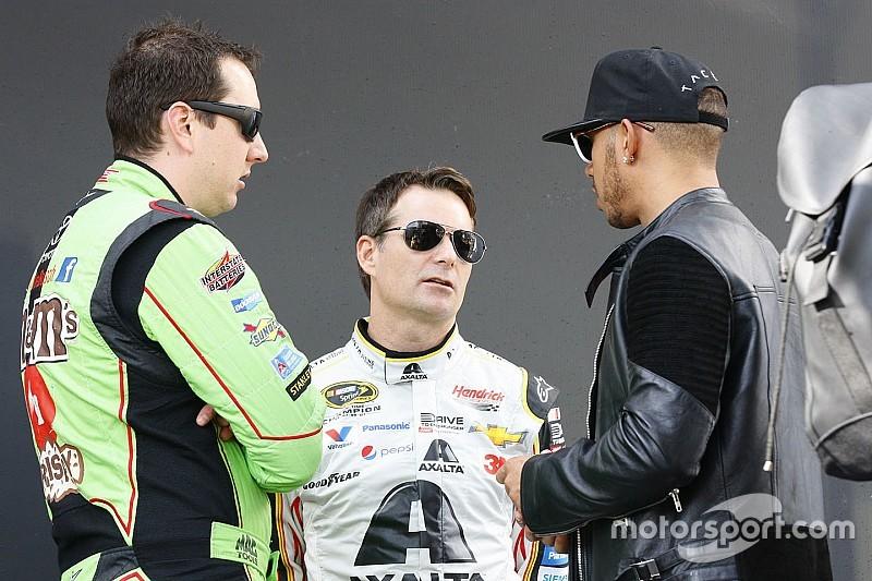 """Hamilton se encanta com NASCAR: """"gostaria de correr um dia"""""""