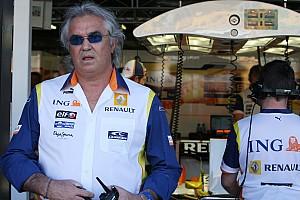 Formule 1 Actualités Briatore - Renault doit tout changer à Enstone, y compris les pilotes
