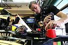 Lotus defende pilotos e reduz risco de demissão com Renault