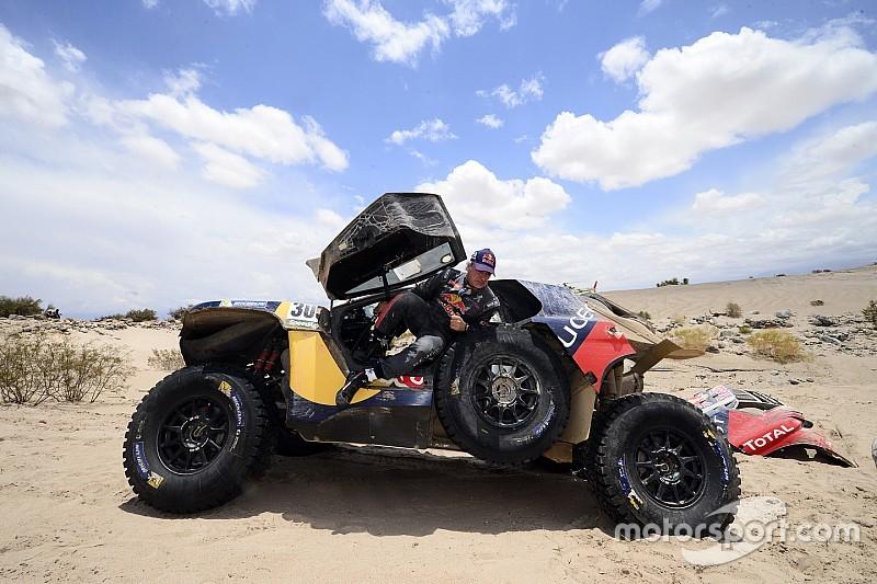 Carlos Sainz abandona el Dakar 2016