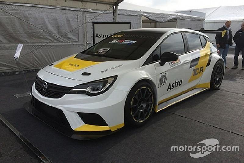 Sei Opel Astra TCR per la Target Competion