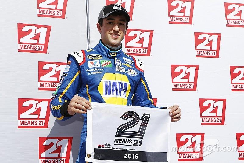 Chase Elliott jongste coureur ooit op pole voor Daytona 500