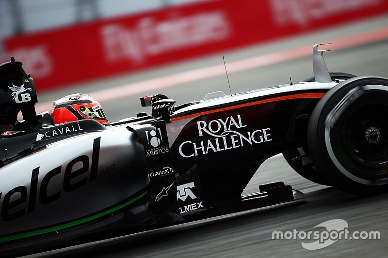 Force India onthult nieuwe auto in pitstraat van Barcelona
