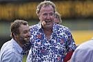 Clarkson, Hammond en May gespot in bizarre Mercedes