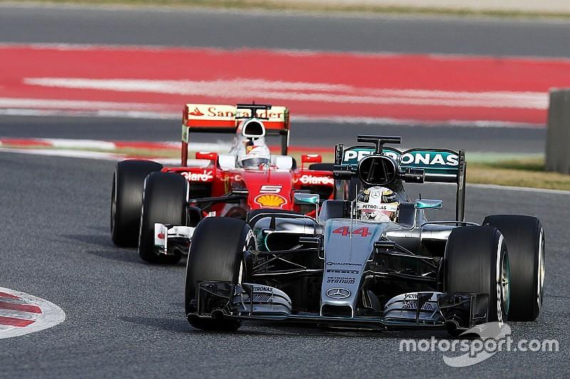 """Hamilton: """"A Barcellona la Ferrari ha fatto tempi incredibili nei long run"""""""