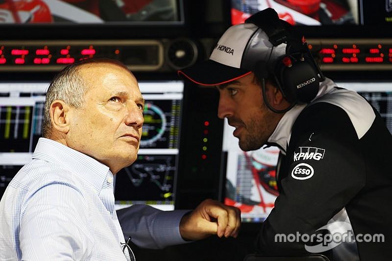 Деннис стремится вернуть Алонсо за руль уже в Бахрейне