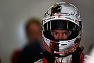 Vettel lidera sessão atrapalhada pela chuva em Xangai