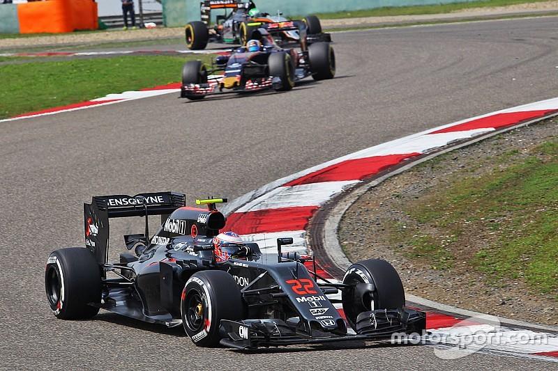 """Button tiene """"la esperanza"""" de que McLaren fallara en la estrategia"""