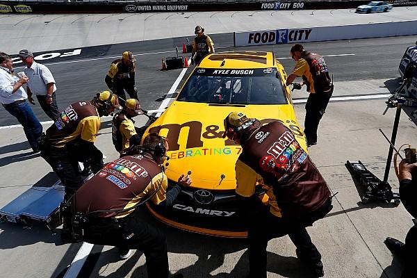 NASCAR Sprint Cup Reprenderán a Busch por incidente en que atropelló a fanatica