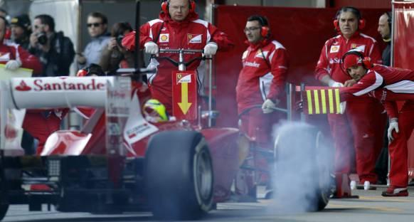 Ferrari problemleri çözmek için zamana karşı yarışıyor