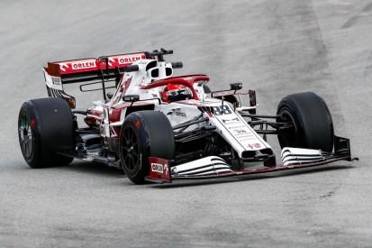 """Mit auffälligen """"Radkappen"""": Robert Kubica testet Reifen für 2022"""