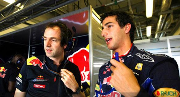 STR 2012 için Ricciardo ve Vergne'yi seçti