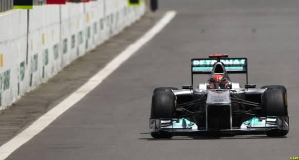 Schumacher yarışta stratejisine güveniyor