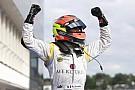GP2 şampiyonu Grosjean Duxford'ta kokpite geçti