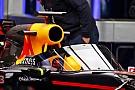 Red Bull doet tijdens eerste training proef met scherm op de auto
