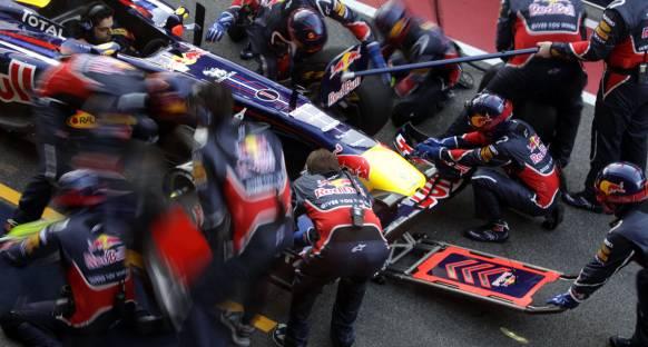 Pirelli Sepang'da 4 pit stop bekliyor