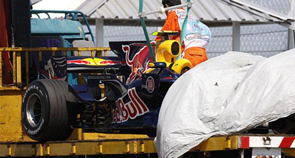 Yarış hakemleri Red Bull yetkililerini çağırdı