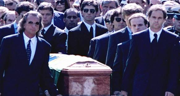Barrichello: Senna'nın cenazesini taşıdığımı hatırlamıyorum