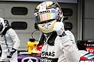 Sezonun ilk pole pozisyonunu Lewis Hamilton kazandı