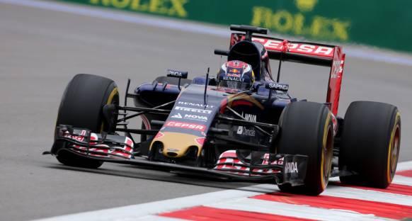 Toro Rosso STR11 için dingil mesafesini uzatmak zorunda kalacak