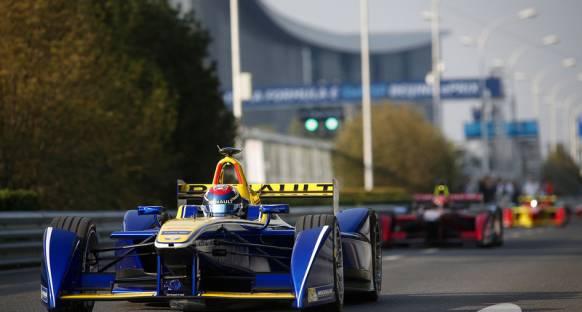 Formula-E: Buemi Sezonun İlk Yarışını Domine Etti