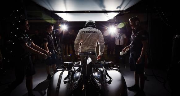 Bahreyn'de pole pozisyonu Hamilton'ın