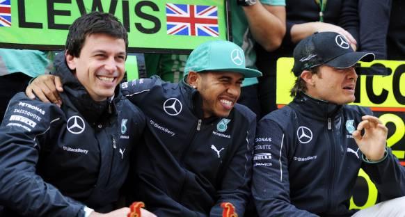 Mercedes Hamilton'la anlaşma peşinde