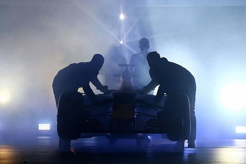 Red Bull Racing презентувала ліврею машини 2016 року